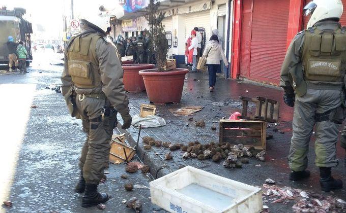 Mauricio Concha, comerciante ambulante: «siempre han buscado borrarnos de las calles, quitarnos nuestro sustento».