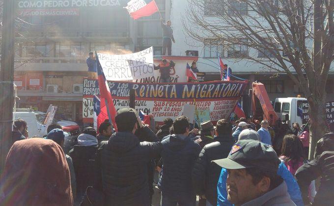 Pescadores artesanales de Lebu protestan en Concepción exigiendo declarar a la reineta como altamente migratoria